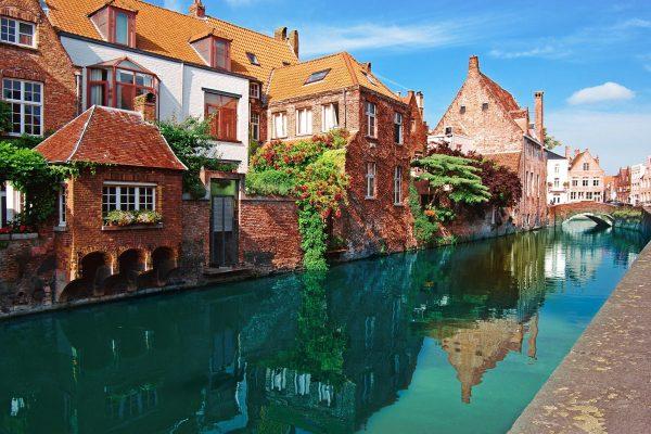canal-in-bruges-belgium